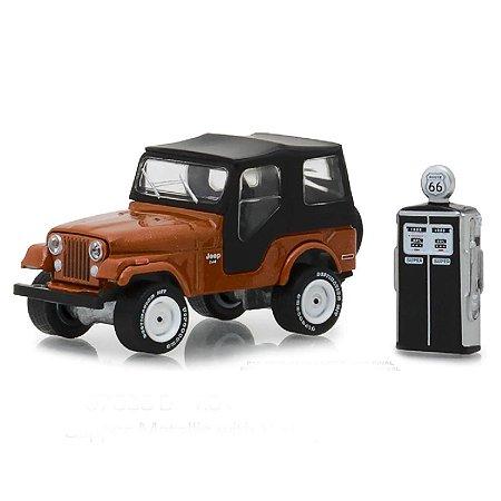 Jeep CJ5 1974 e Bomba de Combustivel Vintage The Hobby Shop Series 5 1/64 Greenlight
