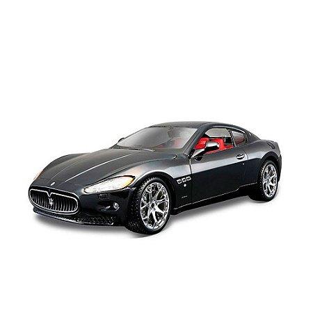 Maserati GranTurismo in Black 1-24 BBURAGO