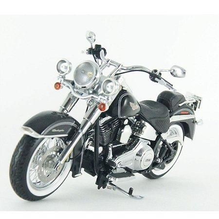 Harley Davidson: FLSTN Softail Deluxe (2012) - Preta - 1/12 Highway61
