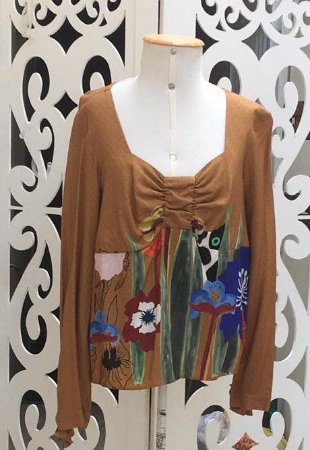 Camisa LHB Gatinho e Flores