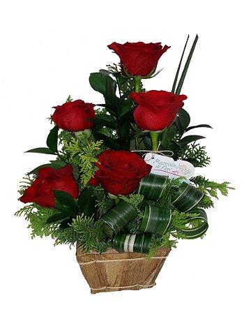 Cachepô com Rosas importadas