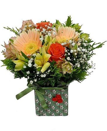 Caixinha Artesanal com flores mistas