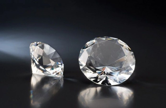 Diamante Pedra Cristal Transparente ( P )
