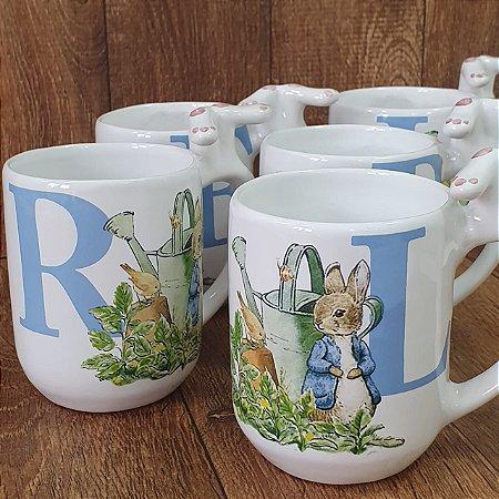 Caneca Peter Rabbit Inicial Azul