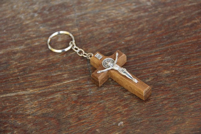 Chaveiro Cruz em madeira
