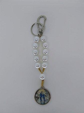Chaveiro perola branca - Nossa Senhora das Graças / Eu rezo pelos meus filhos (7948)