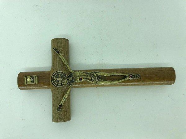 Cruz de madeira com cristo de aço 17 cm (A5082)