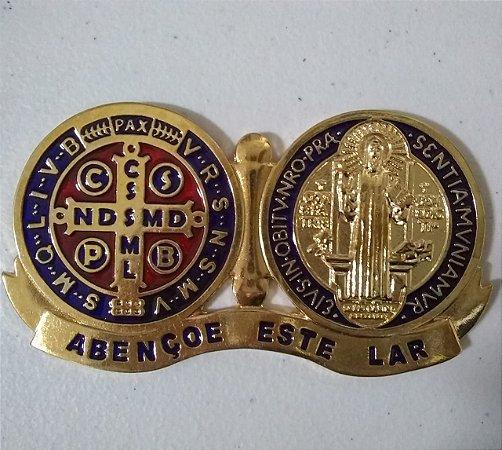 Medalhão Devocional Medalha São Bento resinada dourado (6292)