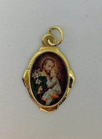 Medalha resinada dourada São José (8229)