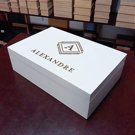 Caixa 30x20x08 Personalizada com Nome e Inicial