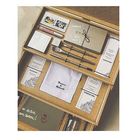 KRYOLAN - Caixa Formato Escada com Berços