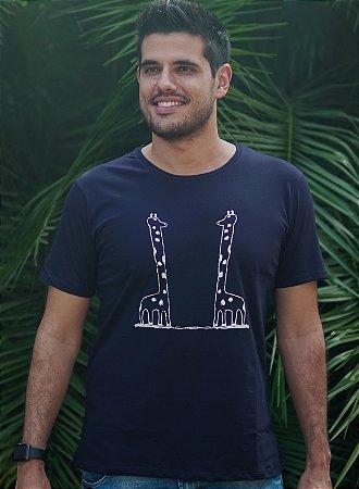 Camiseta Masculina Girafa - Azul Petróleo