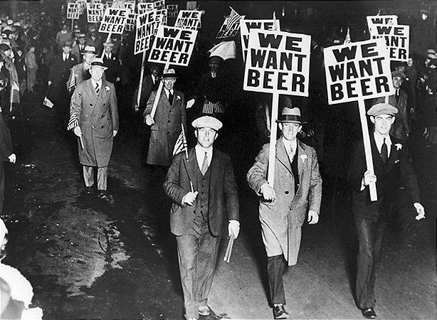 Pôster We Want Beer