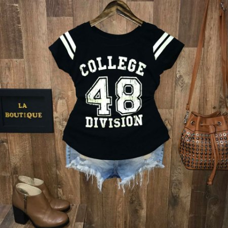T-shirt College Division