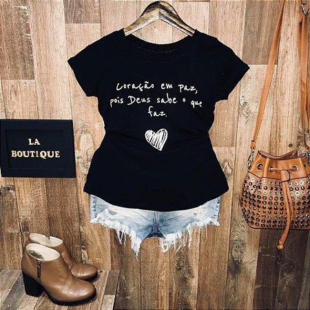 T-shirt Coração em paz pois Deus sabe o que faz