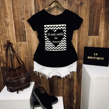 T-shirt Heart Só Ando Vestida de Amor