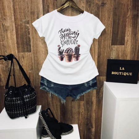 T-shirt Theres beauty in ... Há beleza na simplicidade