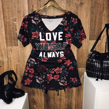 T-shirt Shocker Floral Love Yourself Always Preto GG
