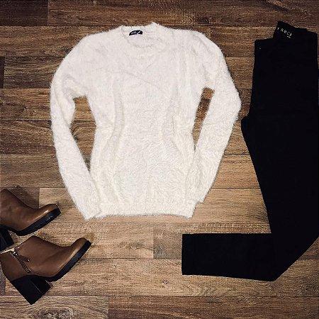 c9b8dda93 Blusa de Pelinho Gola Redonda Off White - La Boutique Modas