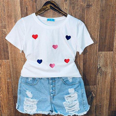 T-shirt Corações Bordada Off
