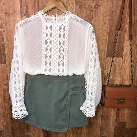 Blusa Fashion com Detalhes em Guipir Ligia White
