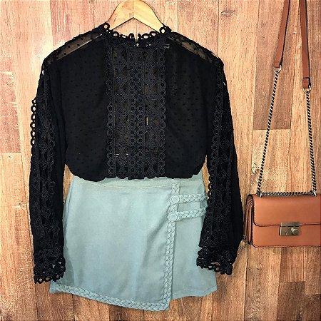 Blusa Fashion com Detalhes em Guipir Ligia Black