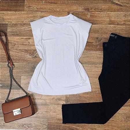 Blusa Muscle Tee com Ombreira Branca