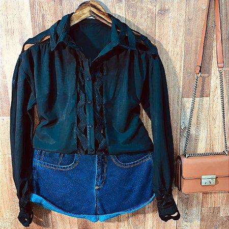 Camisa com Detalhes Vazados Top Sarah Black