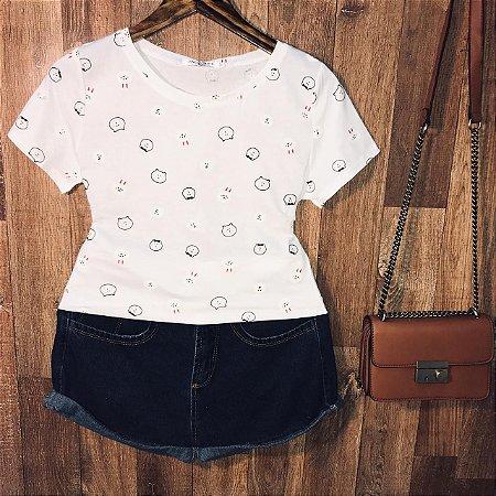 T-shirt Fashion Bichinhos Estampa Dupla Branca