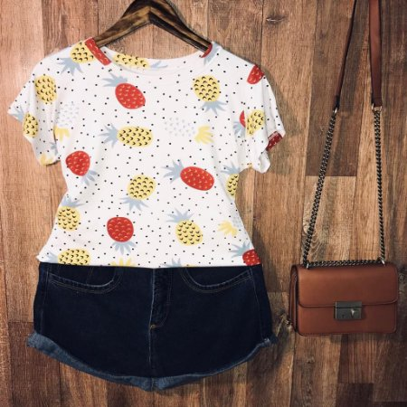 T-shirt Fashion Abacaxi Poá Estampa Dupla Branca