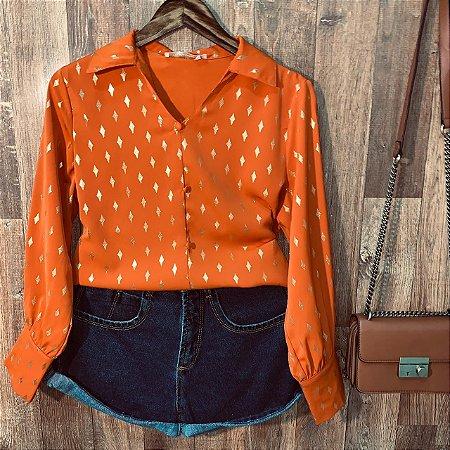 Camisa com Detalhes e Toque de Seda Sarah Terra