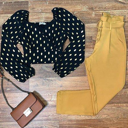 Calça Cós Alto Tecido com Cinto Amarelo