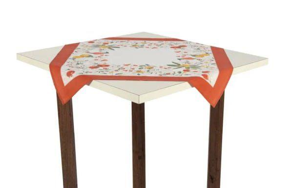 Toalha de Mesa Quadrada de Chá 78cm x 78cm Karsten Floralice