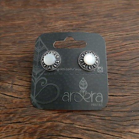 Brinco Pequeno em Prata 925 com Madrepérola e Marcassita