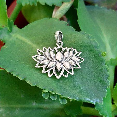 Pingente Flor de Lótus em Prata 925