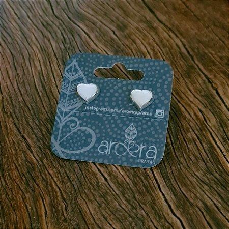 Brinco Pequeno Coração em Prata 925 e Madrepérola