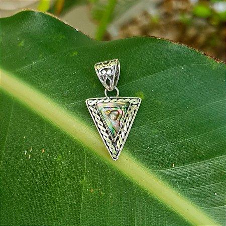 Pingente Triângulo Invertido em Prata 925 e Abalone