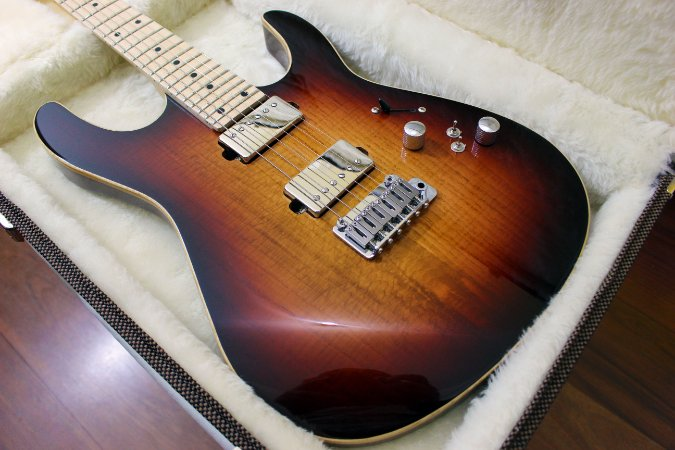 Guitarra SGT M1 Standard Chocolate 3-Color Sunburst - PRONTA ENTREGA