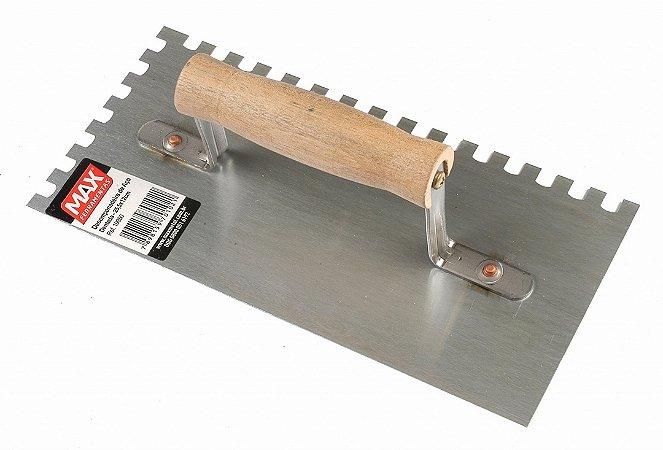 Desempenadeira Aço Dentada 25,5 X 12 cm - Cabo Madeira Fechado - MAX FERRAMENTAS