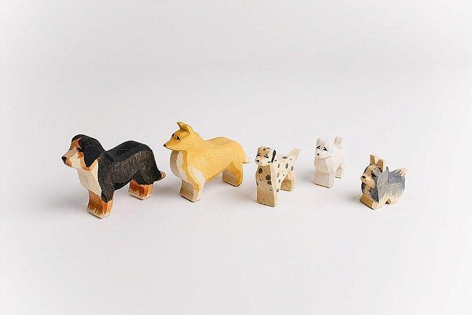Cachorro ESCOLHA UM: bernese OU collie OU dalmata OU poodle OU yorkshire (consulte para ver disponibilidade)