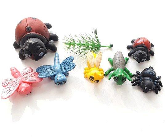 Kit mini insetos de plástico com 8 und