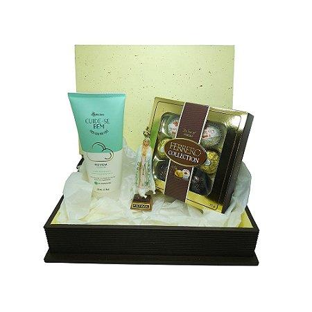 Kit Presente - Caixa Decorada Livro Fé + Imagem Nossa Senhora De Fátima + Loção Hidratante + Caixa de Bombom Ferrero Collection