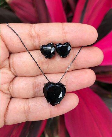 Conjunto coração com pedra preta banhado a Ródio Negro
