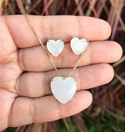 Conjunto coração com pedra branco vela banhado a Ouro 18k