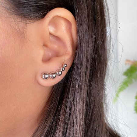Brinco ear cuff bolinhas