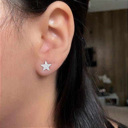Brinco estrela jateado em Prata 925