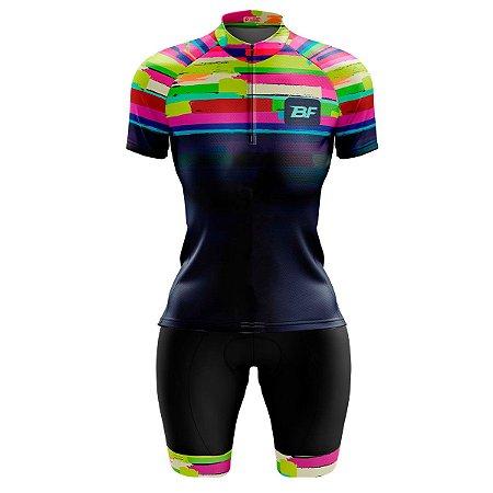 Conjunto Ciclismo Feminino Bermuda e Camisa Abstrato