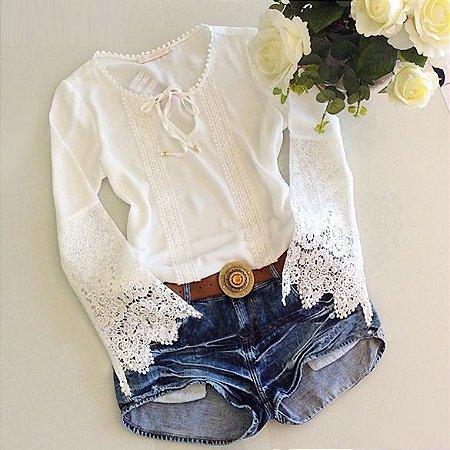Blusa Decorada Rendas e Crochet