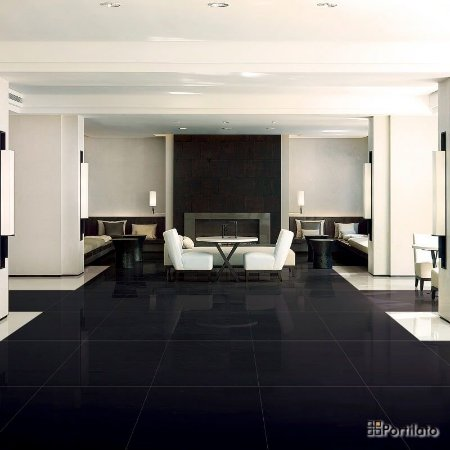 Porcelanato Portilato Super Gloss Absolut Black (80×80)