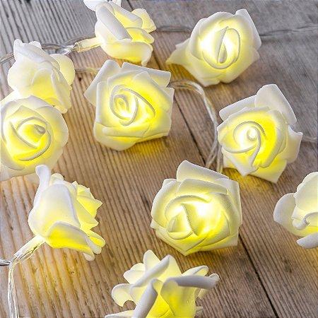 Cordão Led Rosas brancas luz amarelada decoração casamento